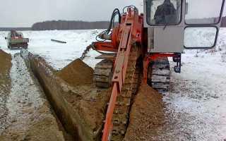 Как называется трактор копающий траншеи