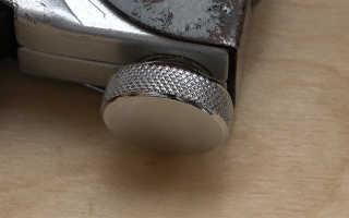 Как заряжать гвозди в степлер